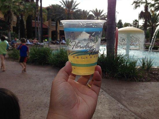 Floridays Resort Orlando: Área da Piscina no bloco da recepção