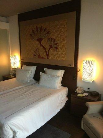 Swissotel Kolkata: My room