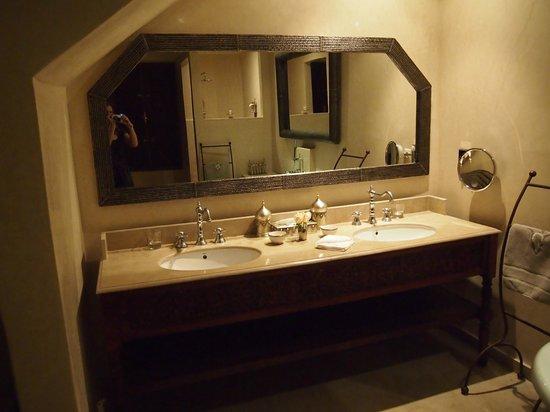 La Villa des Orangers - Hôtel: Bathroom