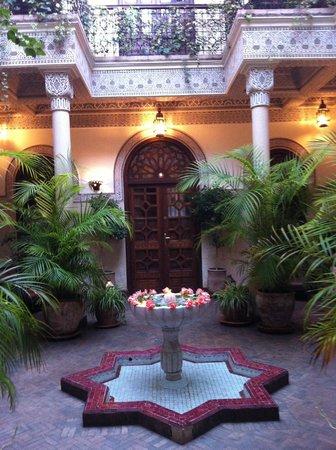 La Villa des Orangers - Hôtel: Inner Courtyard