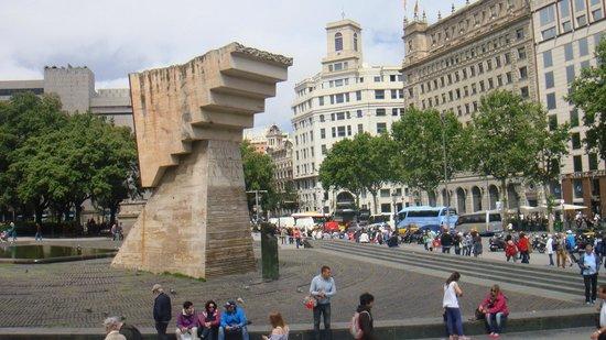 Plaza de Cataluna: Catalunya Square