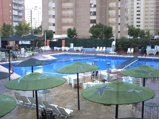 MedPlaya Hotel Rio Park: The pool at night