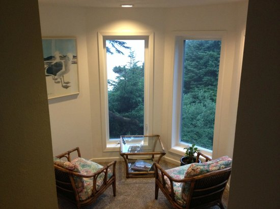 Starfish Point Condos: Nook to view the ocean