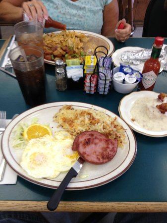 keene cafe: Ham & Eggs and Chilaquiles