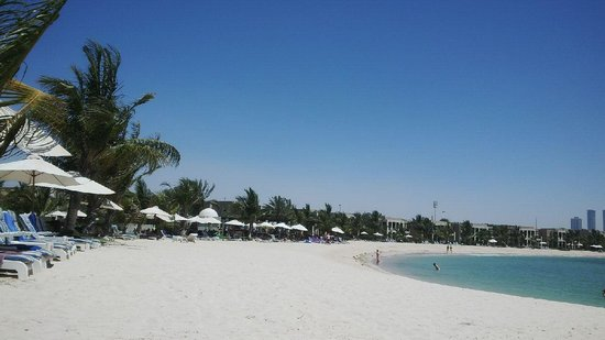 Hilton Ras Al Khaimah Resort & Spa: The beach