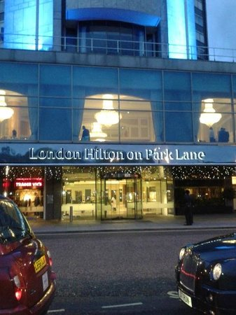 London Hilton on Park Lane: entrance