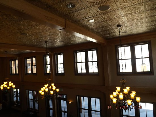 Rough Riders Hotel: Ceiling of lobby