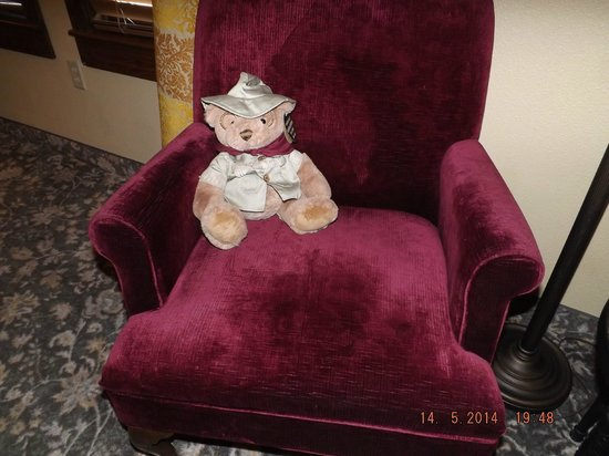 Rough Riders Hotel: Teddy Bear (for sale, of course) and chair