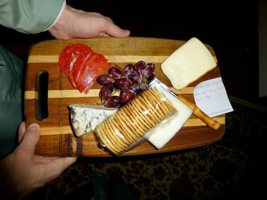 Shellmont Inn Bed and Breakfast: The cheese plate