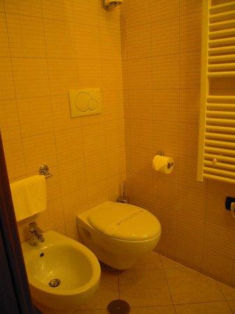 Hotel Roma Tiburtina : Bagno 2