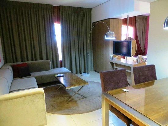 Peermont Metcourt at Rio: Executive suite lounge & dining area.