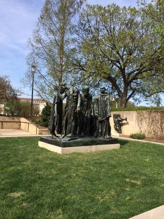 Hirshhorn Museum and Sculpture Garden : The Burghers of Calais