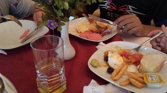 Charm Hotel: Breakfast