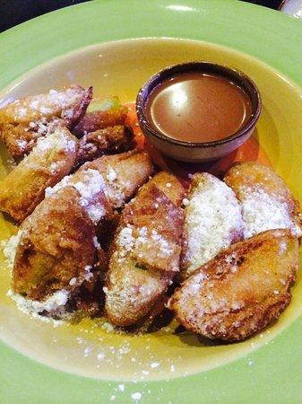 Retro Burger Bar : Manzana tempura con cajeta :D