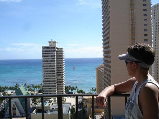 Hilton Waikiki Beach: Ocean view room on the balcony
