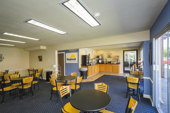 Days Inn Modesto: Breakfast Area