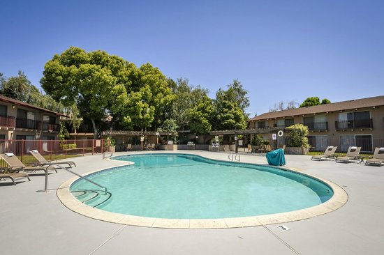 Days Inn Modesto : Pool Area