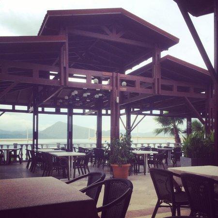 Marmaris Resort & SPA: Outdoor eating area.