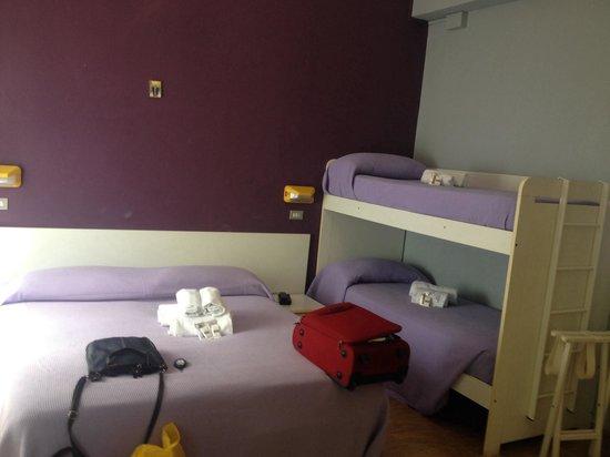 Camera quadrupla - Foto di Hotel Augustus, Milano Marittima ...