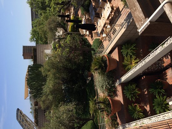 Hotel Arts Barcelona: Roof top relaxation