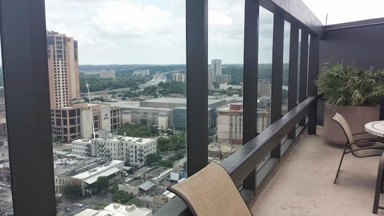 Omni Austin Hotel Downtown: View from the rooftop pool area