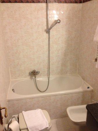 Siracusa Hotel: Bagno in ordine