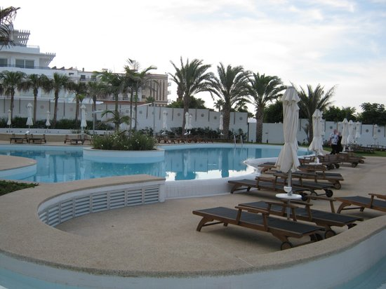 Sunrise Pearl Hotel & Spa: One of the Pools