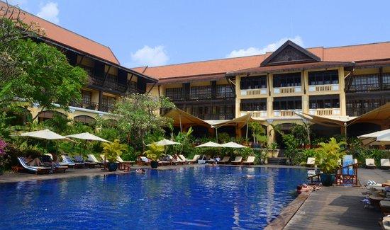 Victoria Angkor Resort & Spa: Piscina