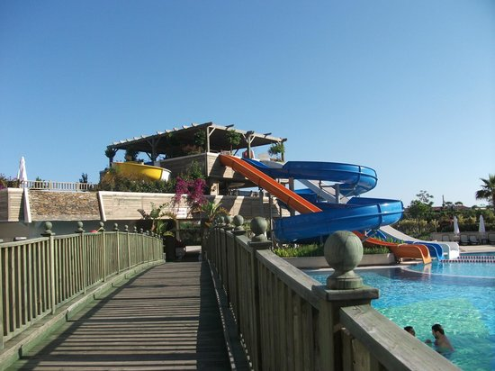 Crystal Palace Luxury Resort & Spa: water slides