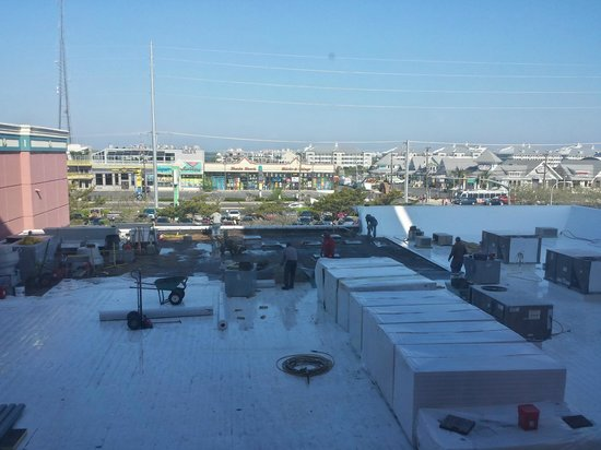 Holiday Inn Ocean City: view from hallway (construction on roof)