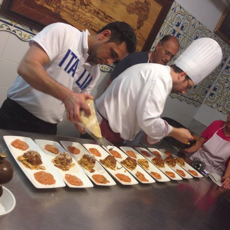 Old Taverna Sorrentina Cooking School: Finalising meal