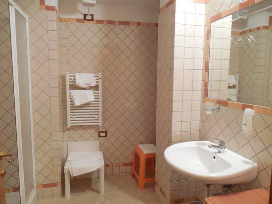 Suitehotel Residence Kaly : la salle de bain