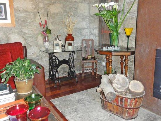 Hotel Rural Fonda de la Tea: Интерьер комнаты отдыха