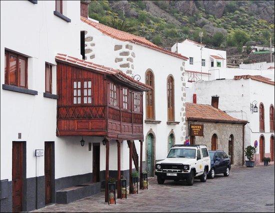 Hotel Rural Fonda de la Tea : Вид на отель