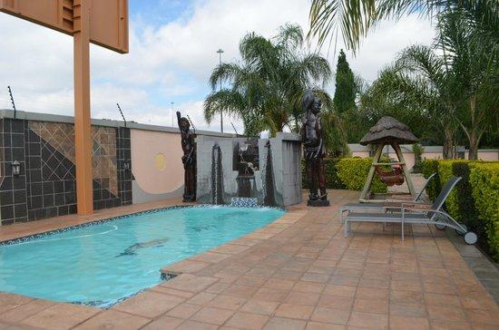 Eco Park Lodge: Pool