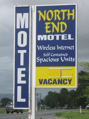 North End Motel: Outside Signage