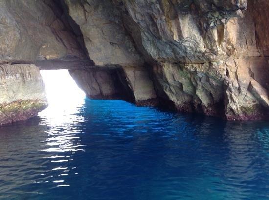 Blue Grotto (Il-Hnejja) : grotta azzurra