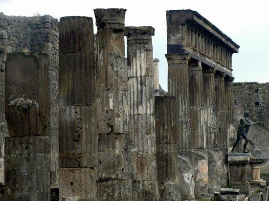 Temple of Apollo: Templo de Apolo