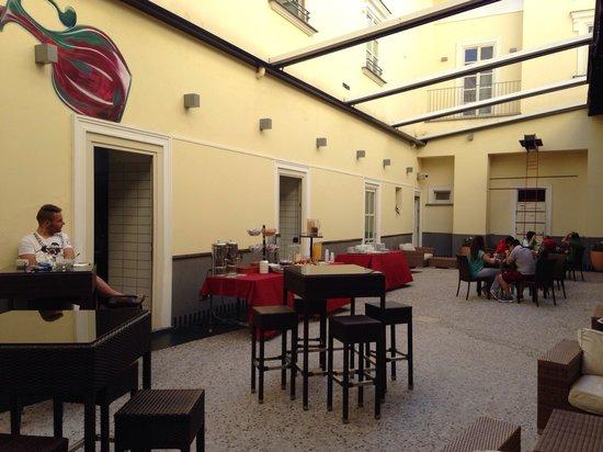 Seven Hostel Bar and Restaurant: Prima colazione