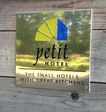 Bodelssons by the Sea: Petit Hotel
