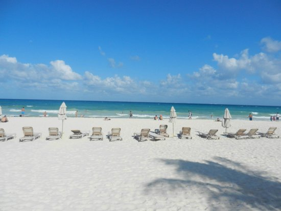 Xaman-ha Luxury Condominiums: Beautiful Playacar beach in front of Xaman ha