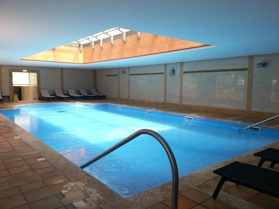 The Residences at Victoria: Indoor pool