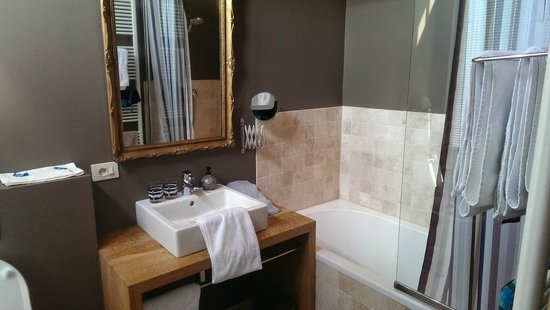 Charming Brugge: Salle de bain