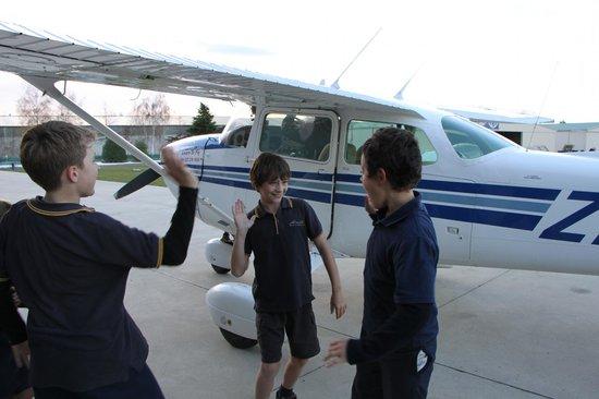 U-Fly Wanaka: Landed! High fives all round!