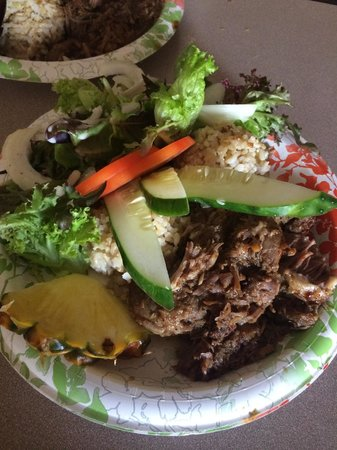 Grass Skirt Grill : Pulled Pork Plate lunch