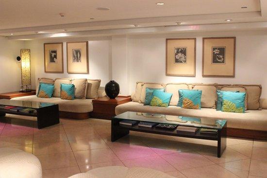 Lotus Honolulu at Diamond Head: Hotel Reception