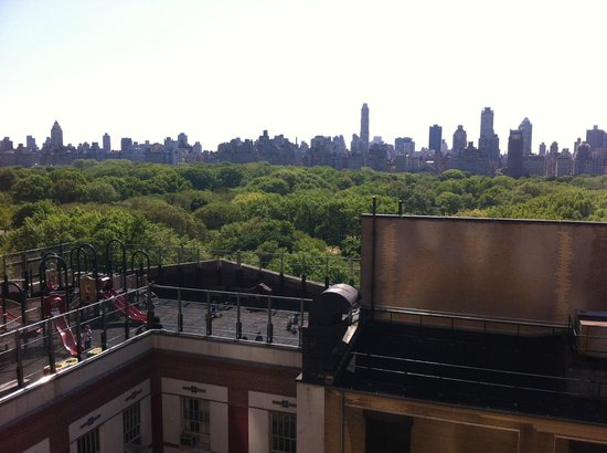 West Side YMCA: Vista para o Central Park da janela do corredor
