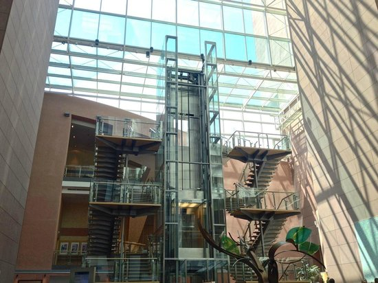 Hilton Frankfurt City Centre: Lobby