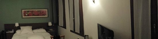 Ca' Fontanea: Room 105 - from bathroom door