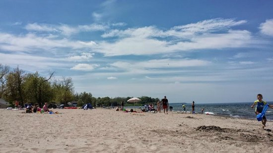 Sodus Point Beach Park: A small portion of the beach on holiday weekend
